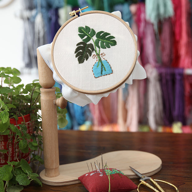 15 x 15cm DIY Counted Cross Stitch Embroidery Starter Kit with Hoop - Monstera Deliciosa - idiypaint