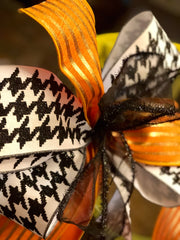 "4"" Black and White Hounds-tooth Ribbon, 4"" Orange with Gold Stripes Ribbon Bow"