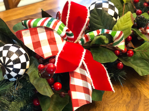 Red and Green Half Bows in Christmas Garland