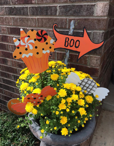 Flower Pot Decorated with Halloween Stakes