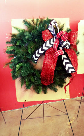 Show me Decorating #wreath with #Bow #diychristmasdecorations #christmaswreath