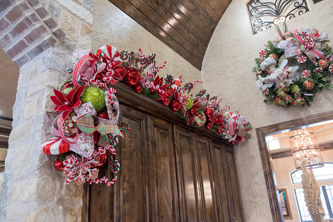 Coordinating Christmas Garland above the kitchen cabinets