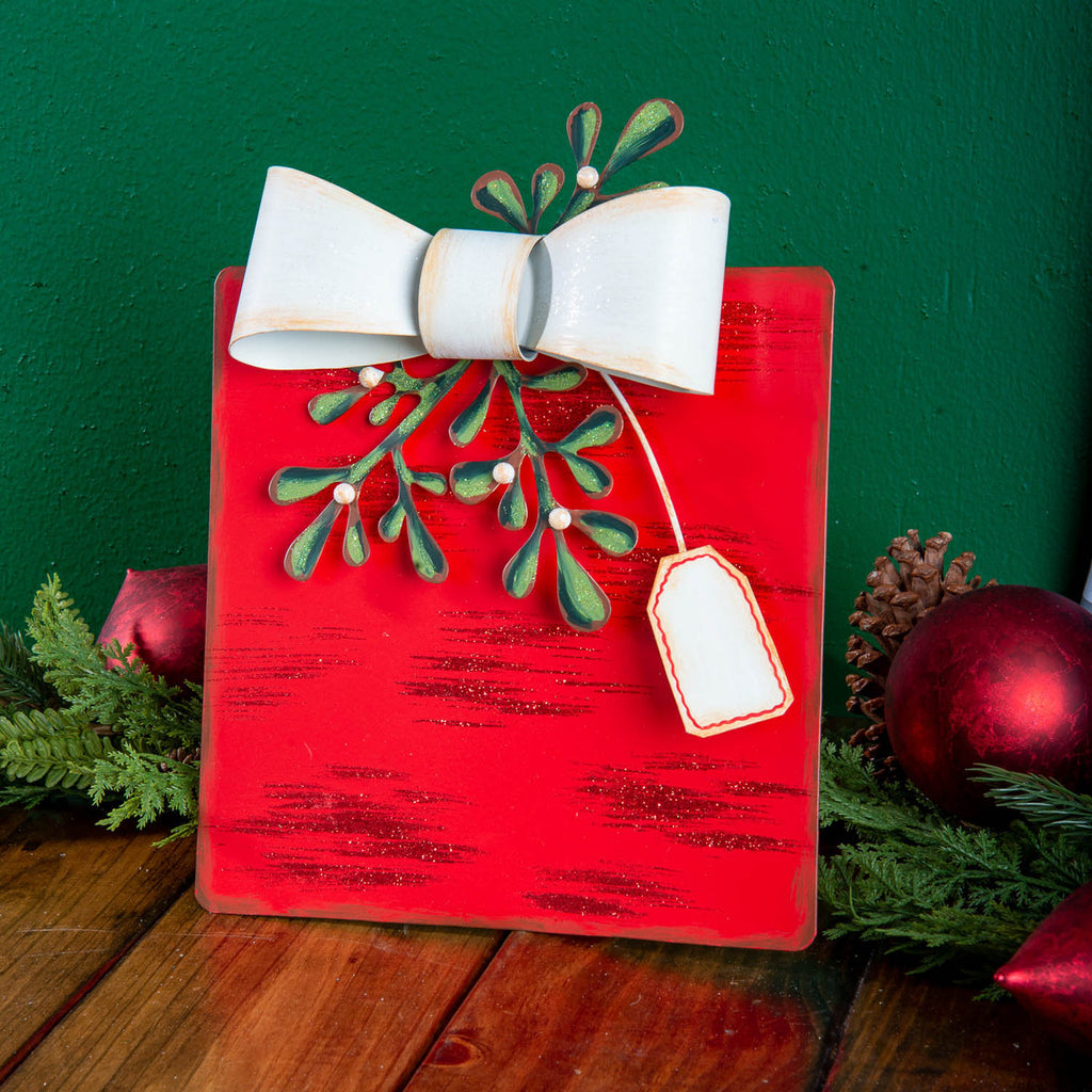 Mistletoe Gift Box