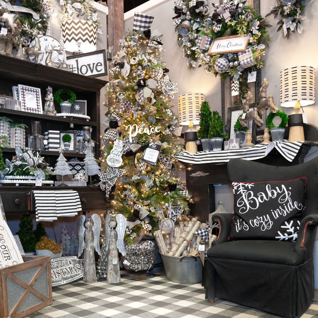Black White Farmhouse Miss Cayce S Wonderland