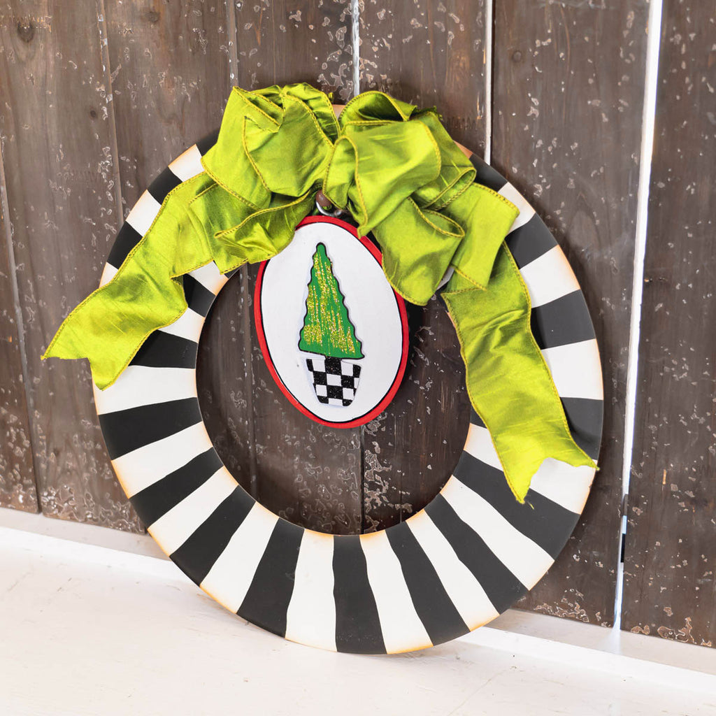 Black and White Wreath With Grommet Hanger