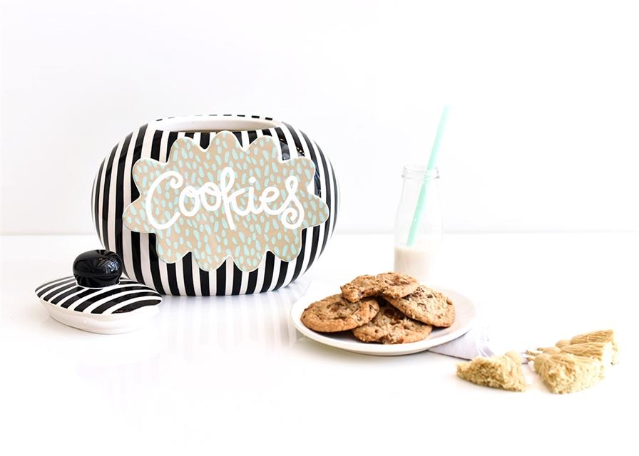 Black Big Cookie Jar