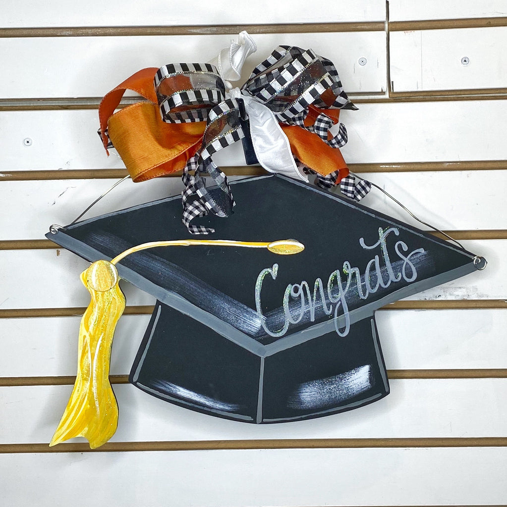 Graduation cap with bow
