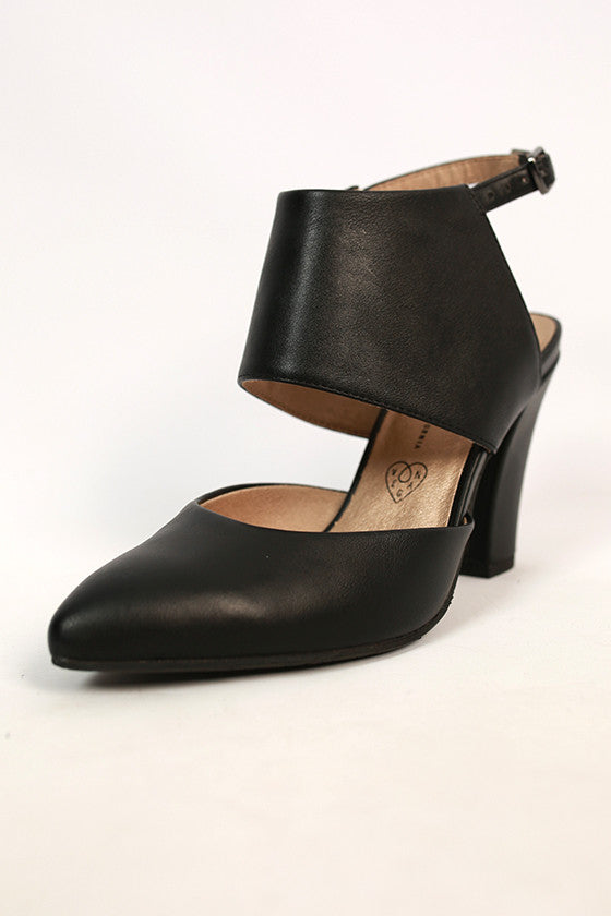 On the Sly Leather Heel in Black