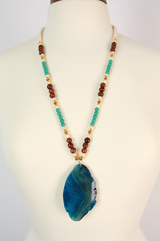 Natural Beauty Agate Necklace in Blue