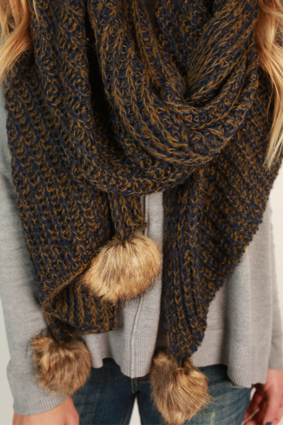 Pom Pom Pretty Scarf in Navy