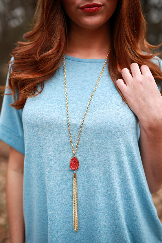 Gem Dreaming Tassel Necklace in Sangria