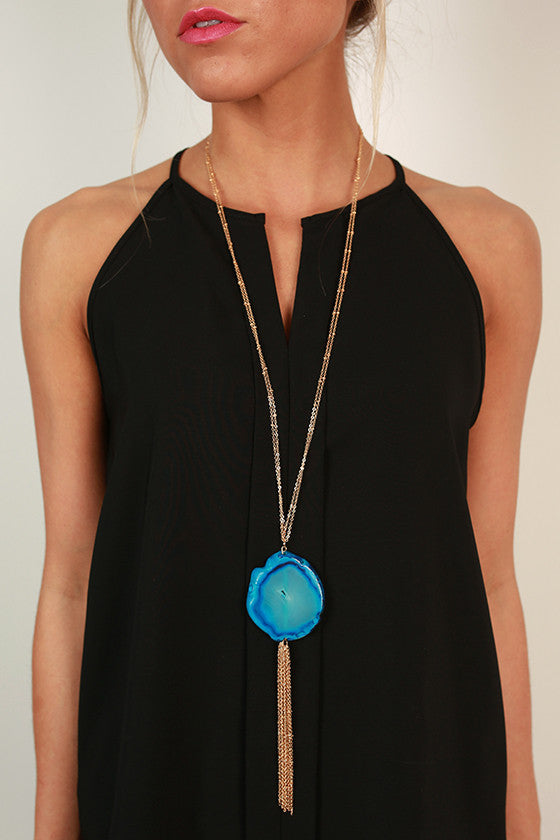 Splendid Saturday Semi Precious Stone Agate Necklace in Snorkel Blue