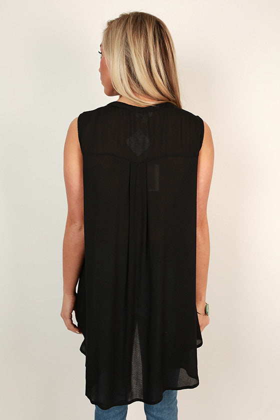 Tea Time Key Hole Shift Tunic in Black