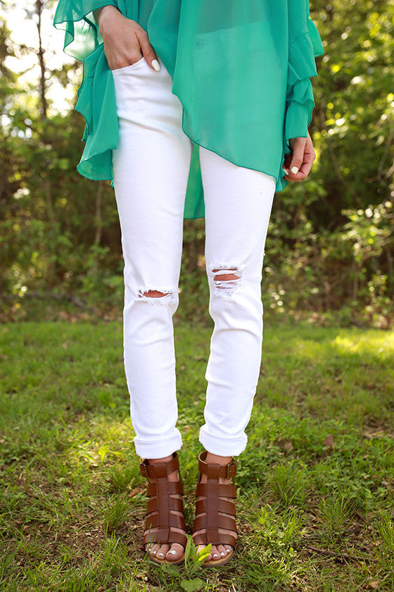 Mid Rise Distressed Skinny in Optic White