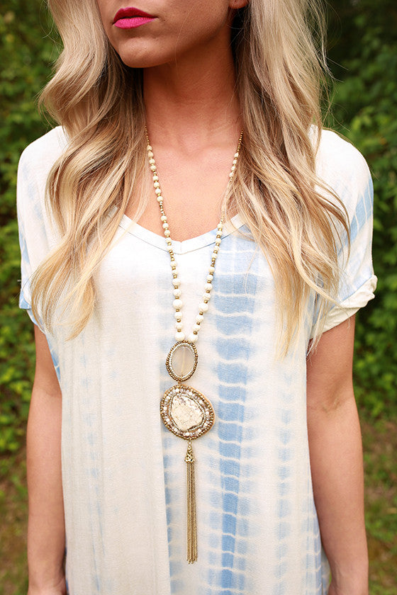Color Me Pretty Statement Necklace in Ivory