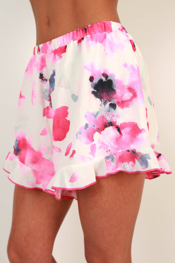 Maui Meetup Floral Ruffle Shorts in Pink