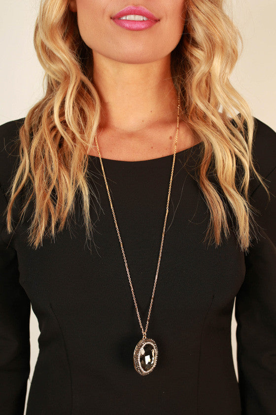 Into The Sunset Pendant Necklace in Black