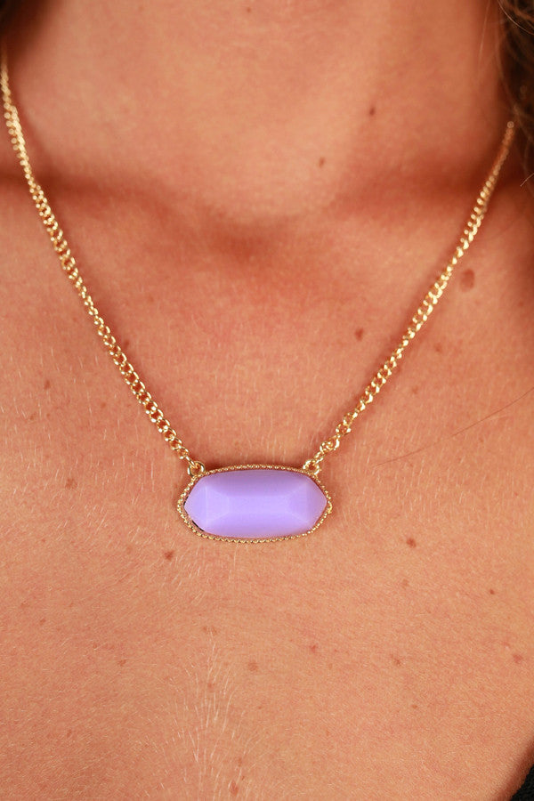 Sunny Side Chic Stone Necklace in Lavender