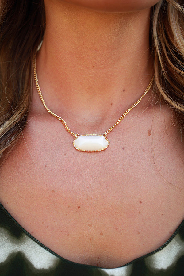 Sunny Side Chic Stone Necklace in Ivory