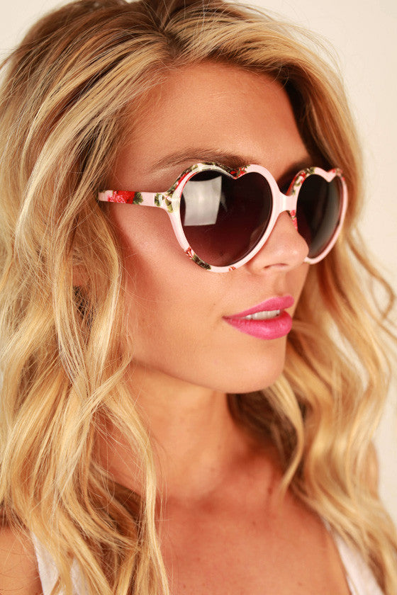 Love Game Sunglasses in Light Pink