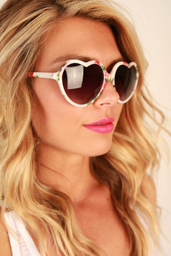 Love Game Sunglasses in White