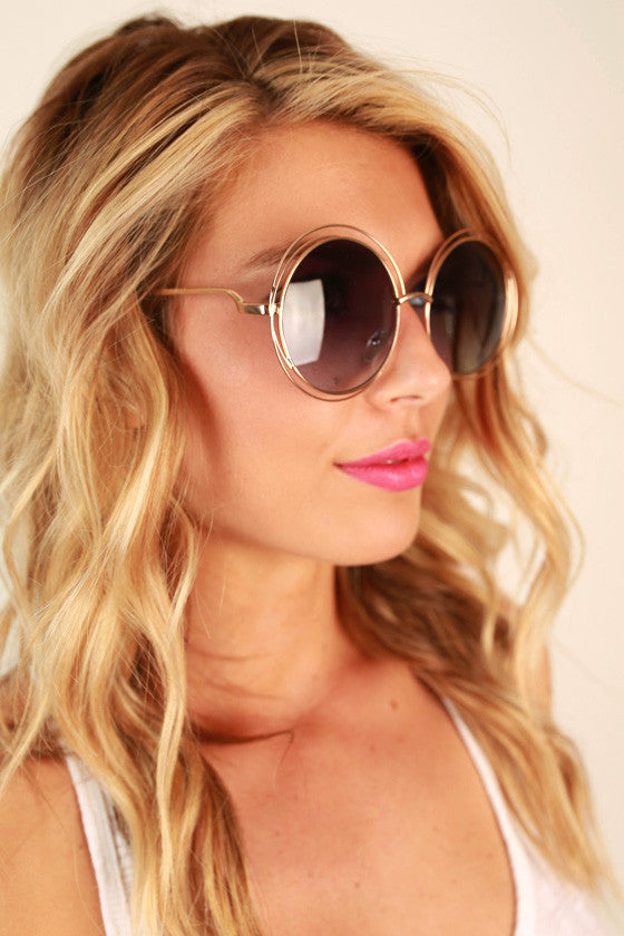 Chic Strolling Sunglasses in Royal Blue