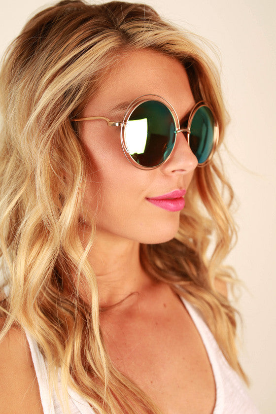 Chic Strolling Sunglasses in Green