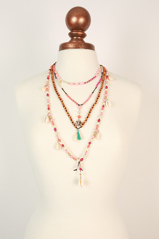 Beach Babe Shell & Tassel Necklace in Peach Echo