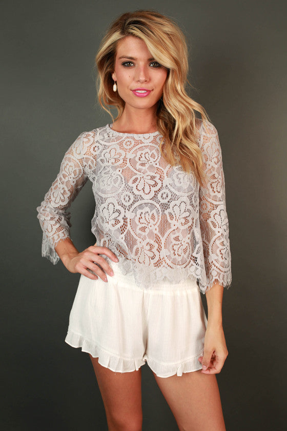 Laceful Thinking Top in Lilac Gray