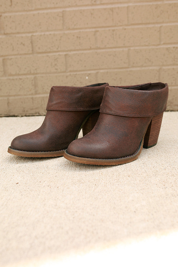 Vitalo Ankle Bootie in Chestnut