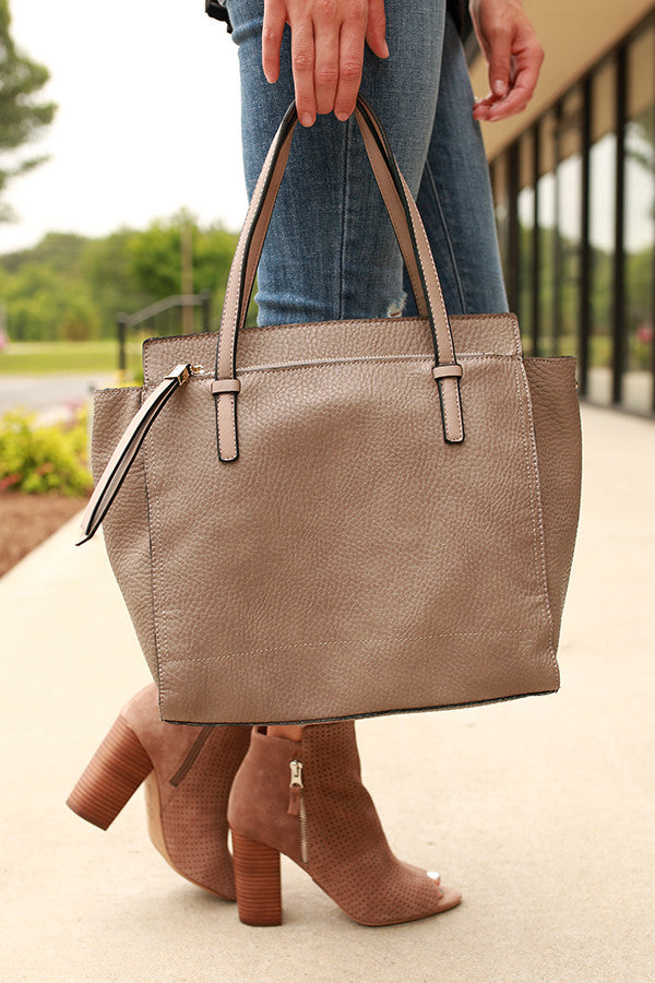 Style in the City Tote Bag in Deep Birch