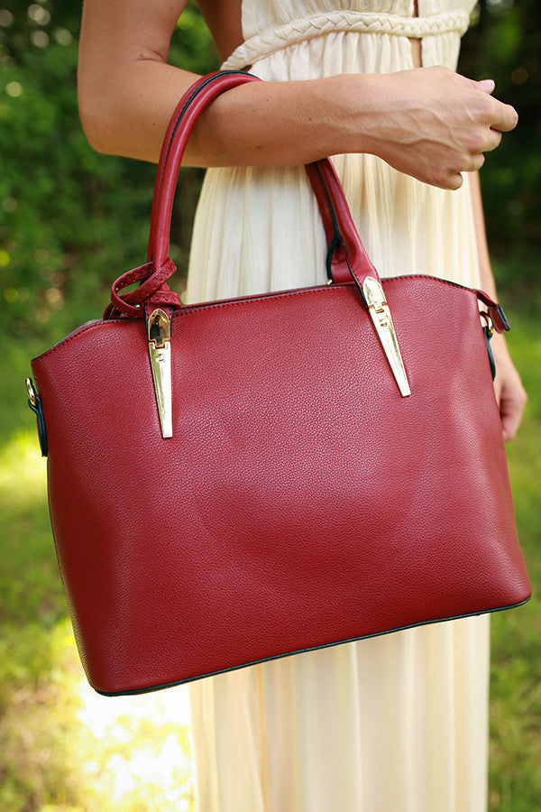 Strut in Santa Barbara Tote in Scarlet
