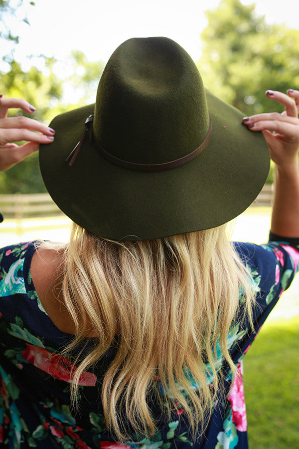 Sunshine Smiles Hat in Army Green