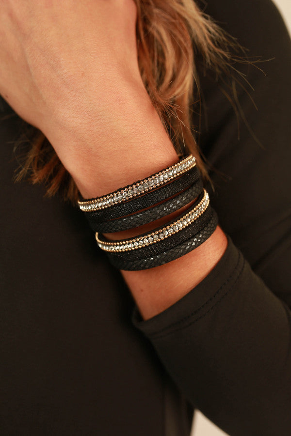 Brilliant Beauty Magnetic Bracelet in Black