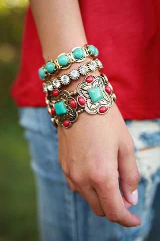 Happy Hour Hottie Bracelet Set in Gold