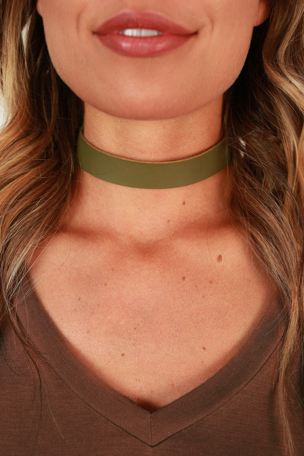 Beverly Hills Babe Choker Necklace in Sage