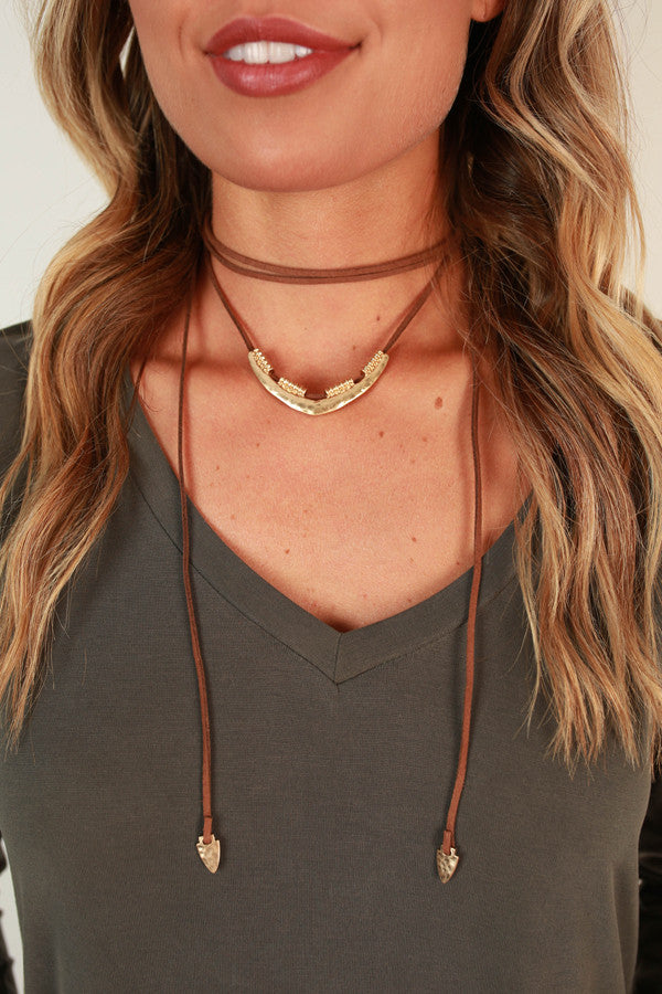 Charmer Choker Necklace in Brown