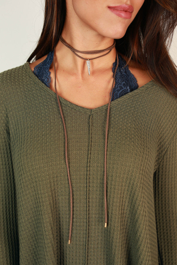 Runway Sparkle Choker in Mocha