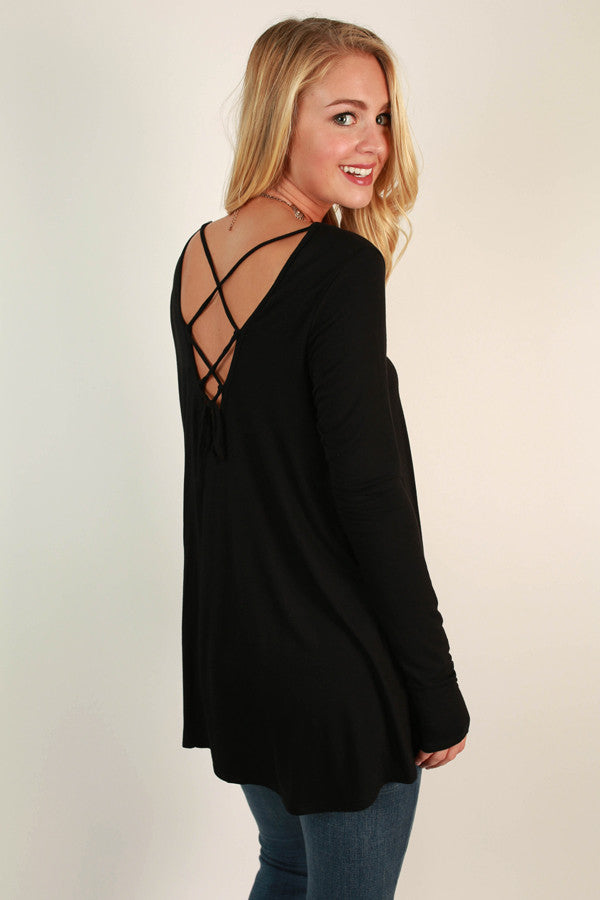 Tag You're It Criss Cross Top In Black