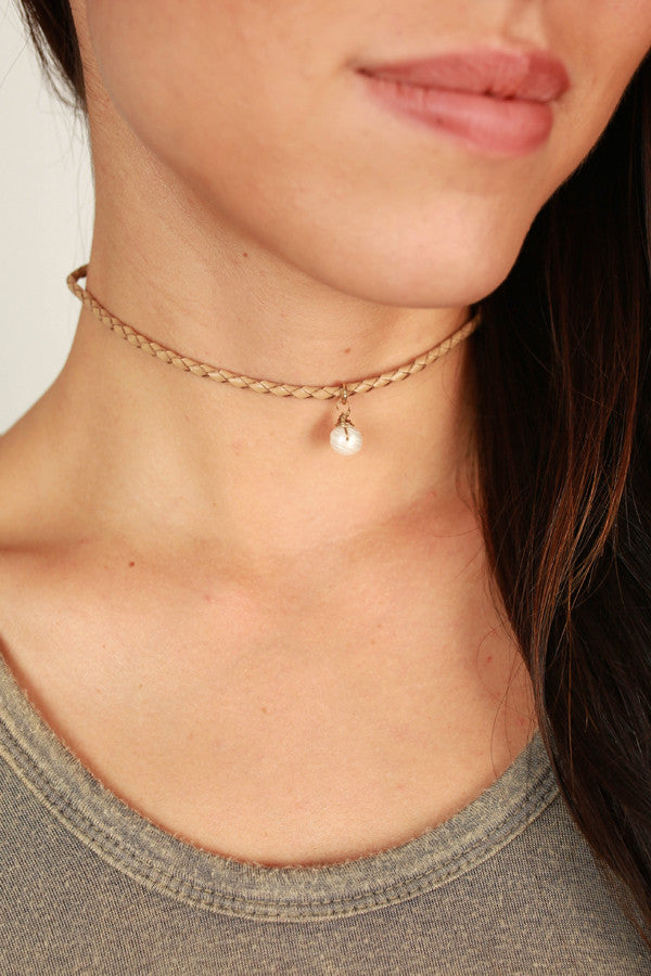 Napa Nights Pearl Choker In Tan