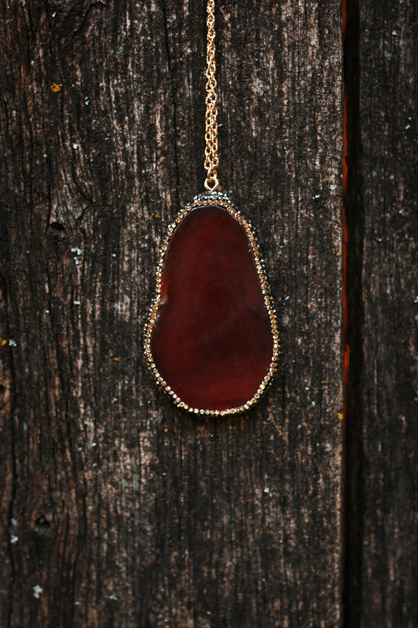 Smooth Talker Agate Stone Necklace in Rust