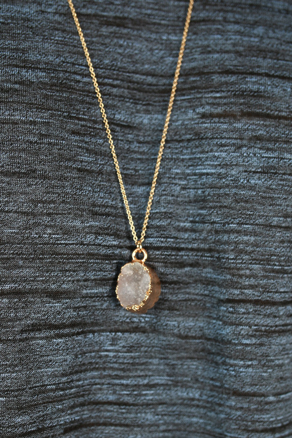 Queen Of Style Quartz Necklace in White