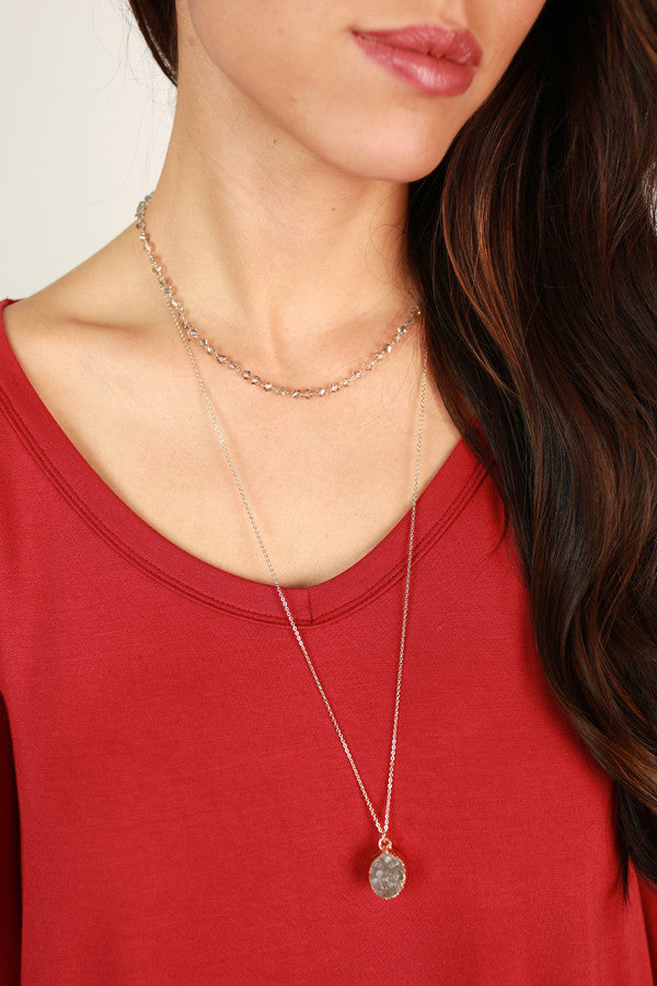 Queen Of Style Quartz Necklace in Grey