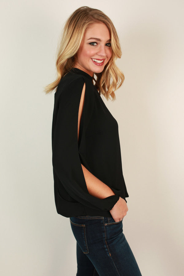 Mod About It Cut Out Top in Black
