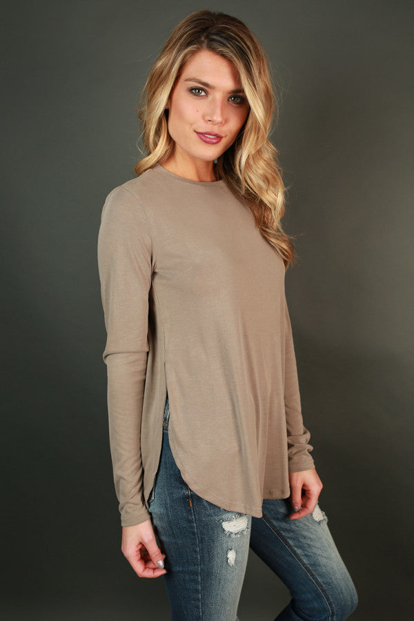 Weekend Wishes Tee in Taupe