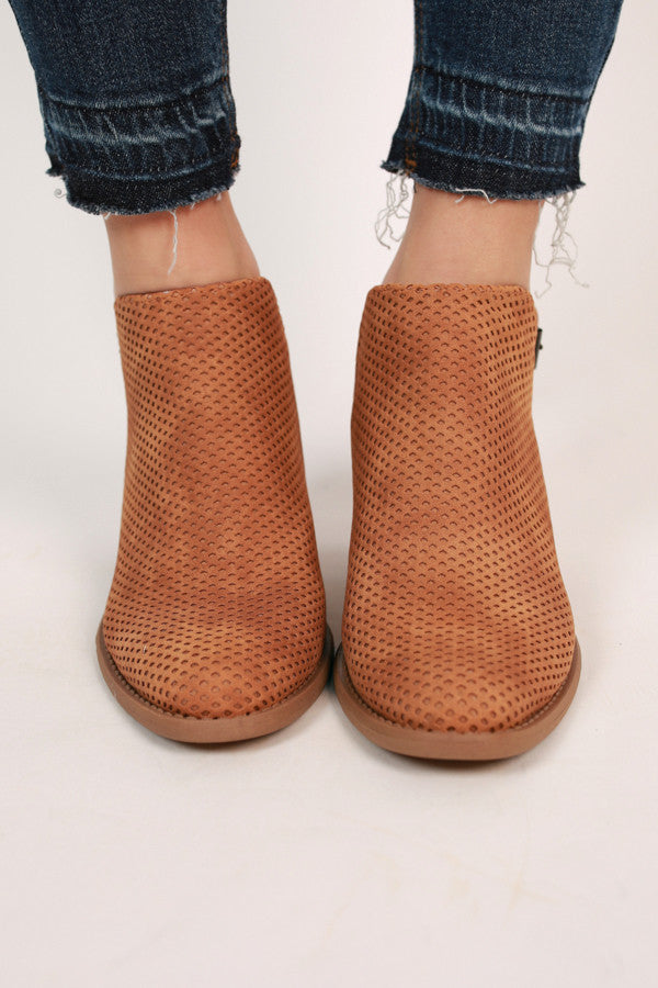 To Be Or Not To Be Bootie In Camel