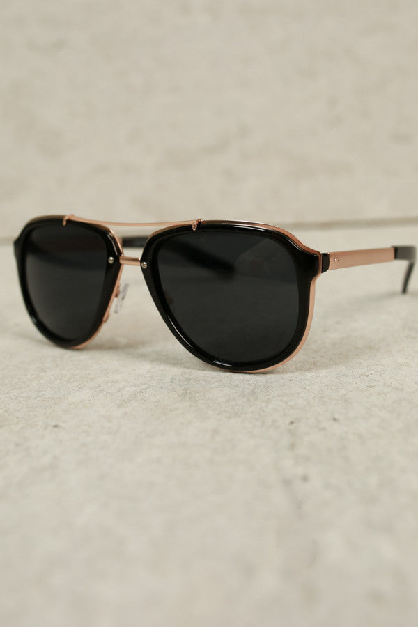 Sunshine Days Aviators In Black And Gold