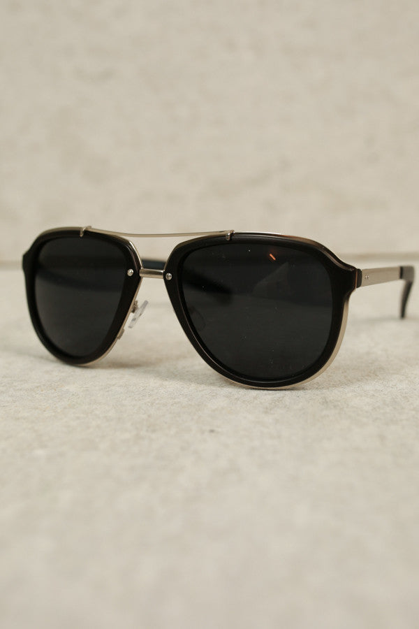 Sunshine Days Aviators In Black