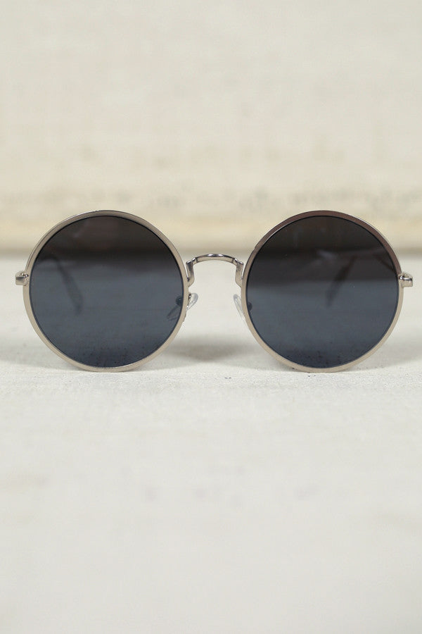 Around The Clock Sunglasses in Black