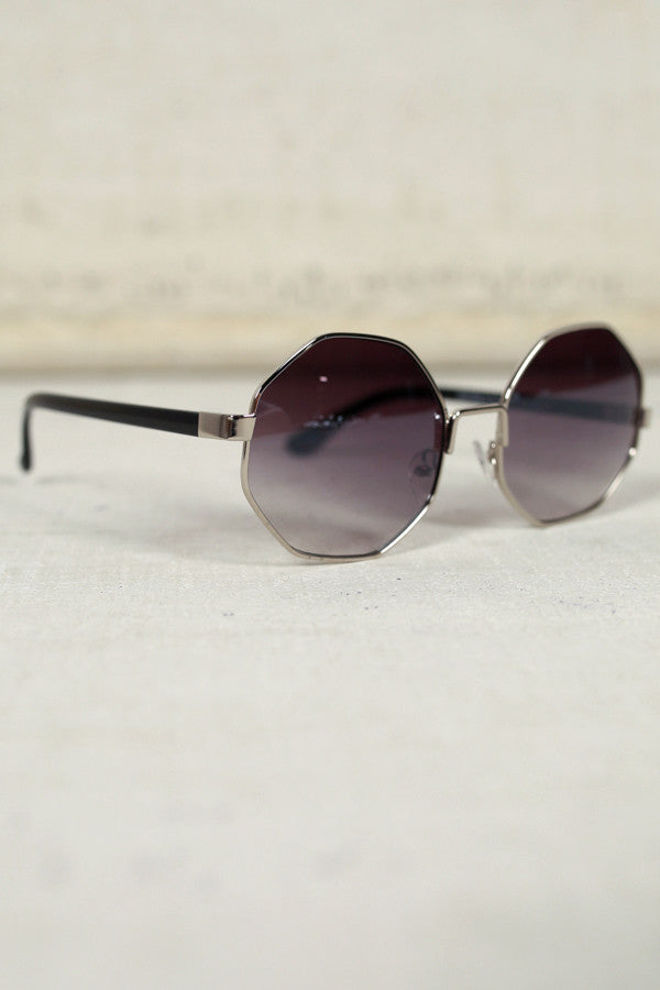 In Focus Sunglasses in Black